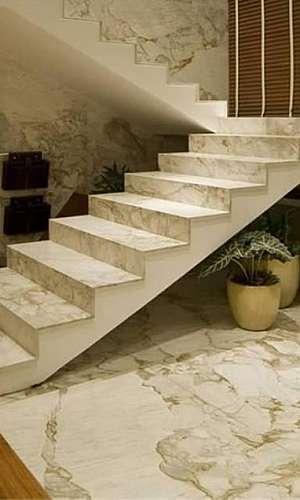 Escada de pedra de mármore