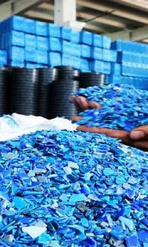 Industrialização de plástico